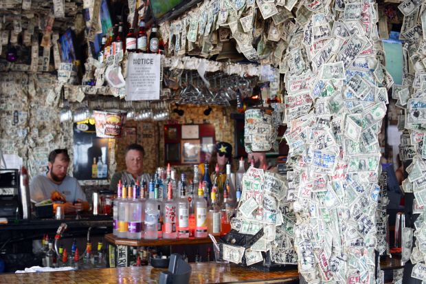 Willie T's Restaurant & Bar 12