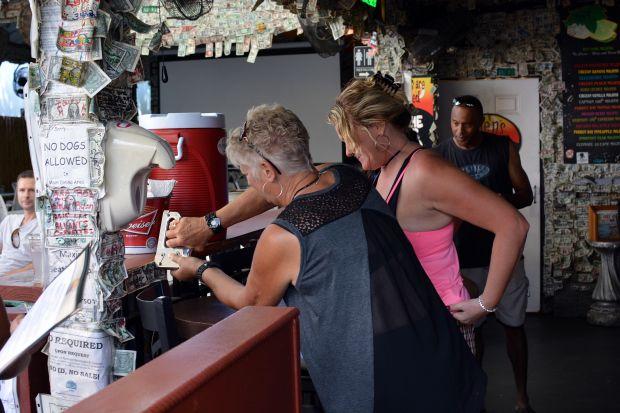Willie T's Restaurant & Bar 13
