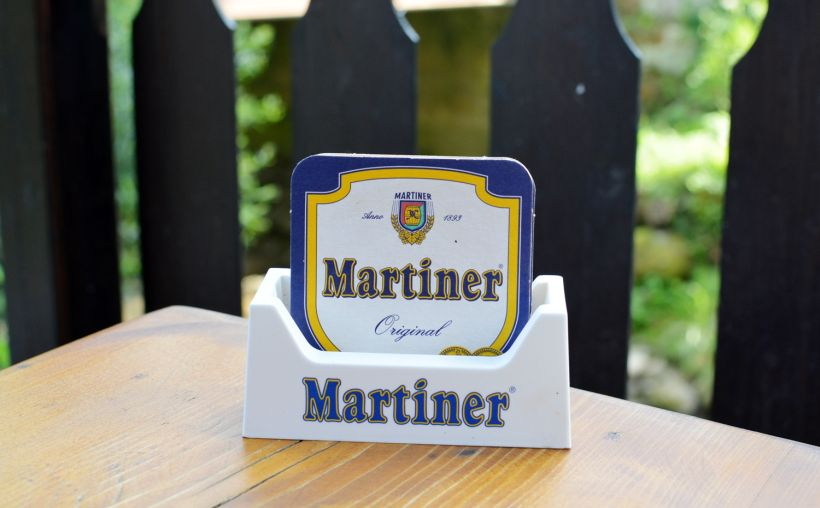 Martiner, pivo, pivné tácky