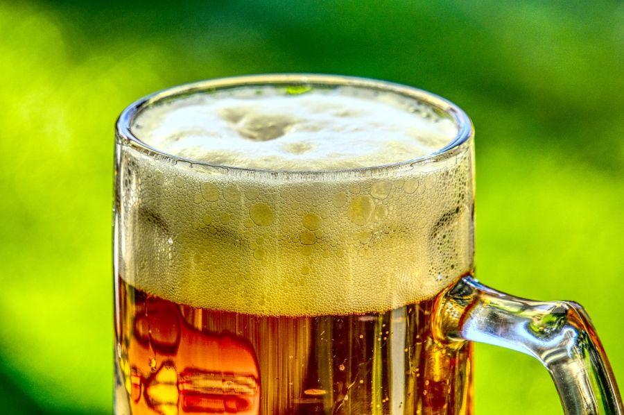 Ležiak, pivo, pohár
