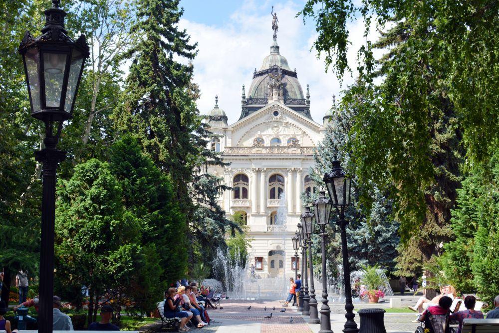 Snímka z Košického kraja. Budova SND v Košiciach.