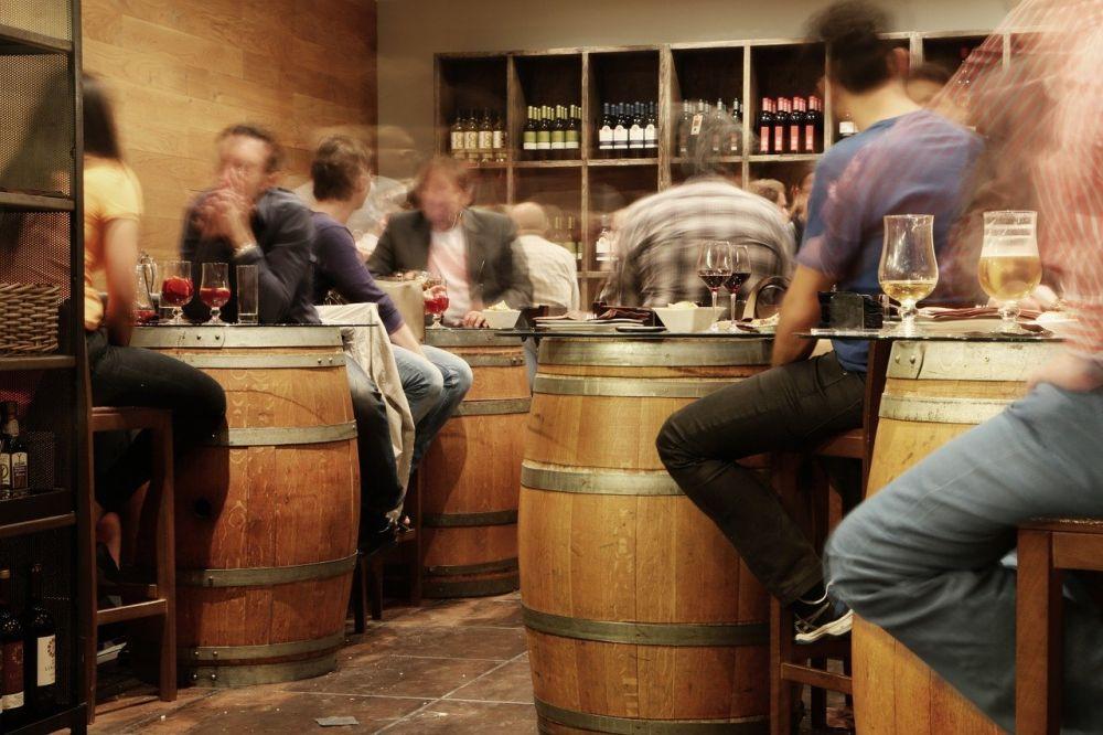 Pivná kultúra, pivný bar.