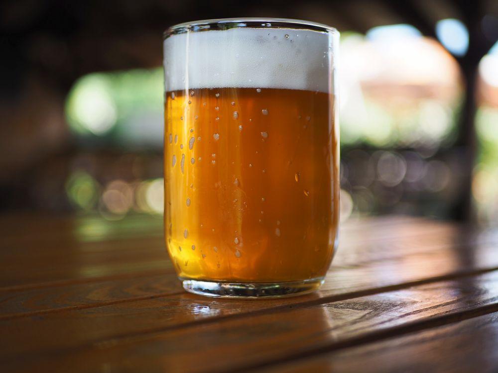 pohár čapovaného piva