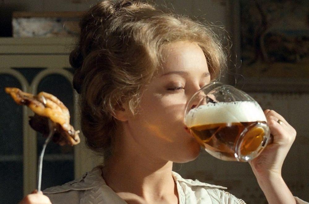Súdruhovia naučili piť pivo